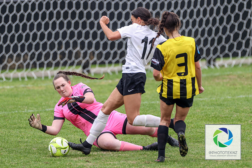 Rovers Daina Brazier puts her body on the line ahead of FHM's Daphne Boyd-Tibbotts. NRFL, Northern Region Football League, Premier Women, Glenfield Rovers v Forrest Hill Milford, McFetridge Park Auckland, Sunday 21st June 2020. Photo: Shane Wenzlick / www.phototek.nz