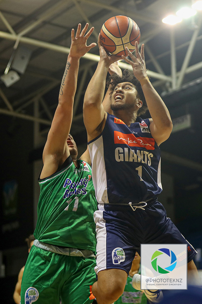 Giants Theo Johnson shoots during the NBL match between the Nelson Giants and the Manawatu Jets, National Basketball League held at Trusts Stadium, Auckland, New Zealand. 28 June 2020. Copyright Photo: Shane Wenzlick / www.photosport.nz