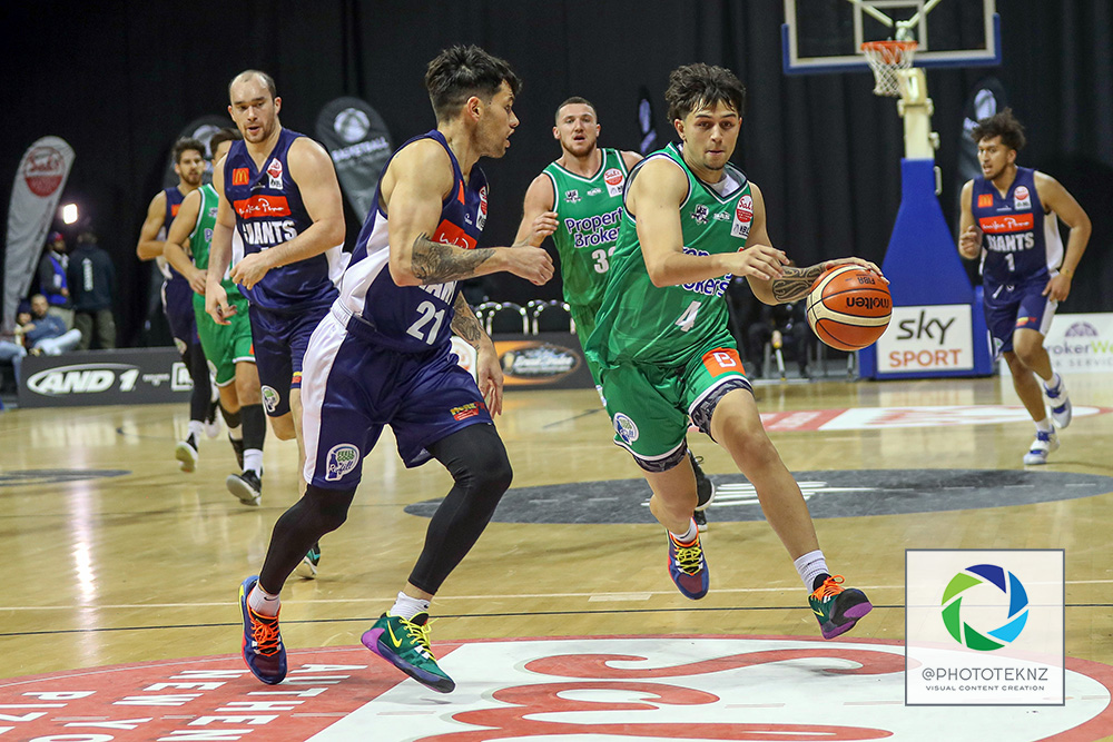 Jets Haize Walker is closed down by Giants Josh Bloxham during the NBL match between the Nelson Giants and the Manawatu Jets, National Basketball League held at Trusts Stadium, Auckland, New Zealand. 28 June 2020. Copyright Photo: Shane Wenzlick / www.photosport.nz