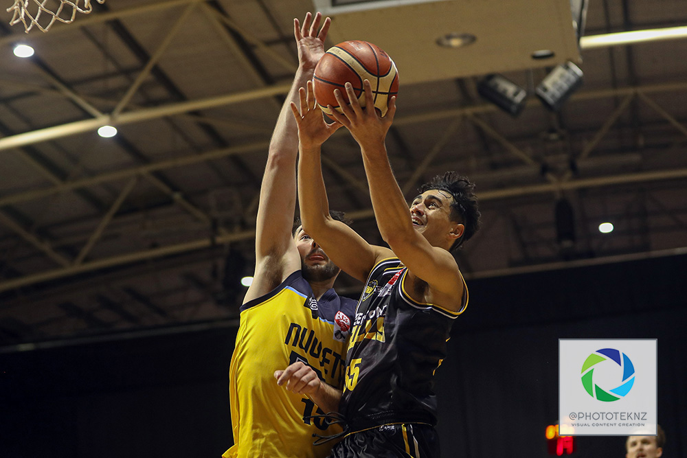 Bulls Nikau McCullough shoots during the NBL match between the Otago Nuggets and the Franklin Bulls, National Basketball League held at Trusts Stadium, Auckland, New Zealand. 2 July 2020. Copyright Photo: Shane Wenzlick / www.photosport.nz