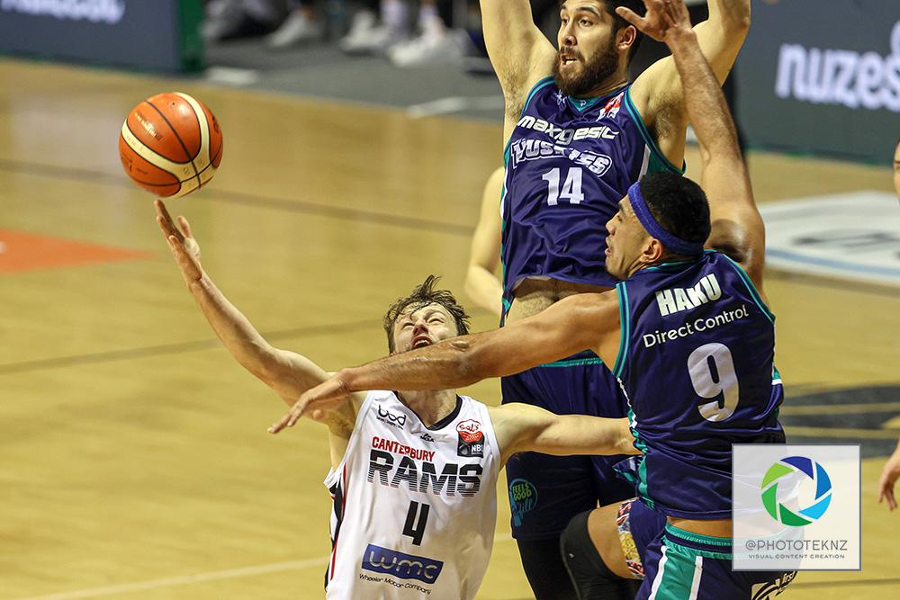 Rams Samuel Smith up against Huskies Anamata Haku during the NBL match between the Auckland Huskies and the Canterbury Rams, National Basketball League held at Trusts Stadium, Auckland, New Zealand. 9 July 2020. Copyright Photo: Shane Wenzlick / www.photosport.nz